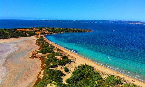 Sardegna, sole mare e molto altro....SPIAGGIA SALINA CALASETTA CAMPING LE SALINE