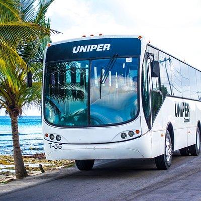 ¡Autobuses con de hasta 40 pasajeros, A/C, asientos cómodos!
