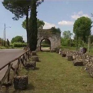 Porta Capuana o porta San Lorenzo