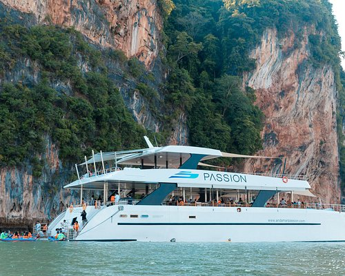New luxury catamaran