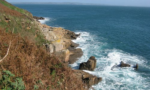 The coast between Mousehole and Lamorna Cove