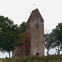 Dit eenvoudig kerkje stamt uit de 12e eeuw.