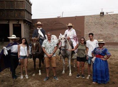 Con Francisco,Alejandra y los chicos en Mamacona