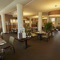 Notre salle de restaurant pouvant accueillir des groupes jusqu'à 100 personnes.
