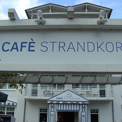 Das ist im Ostsee Bad Baabe, zu sehen... Cafe Strandkorb...