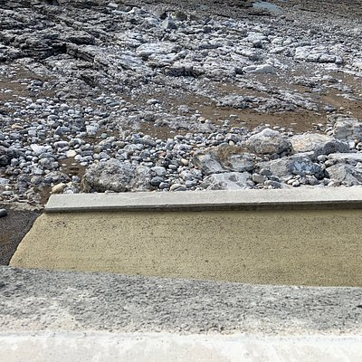 Walk along Town Beach Porthcawl is great . The new wall and walkway refurbishment has now been completed along Porthcawl Esplanade area .,