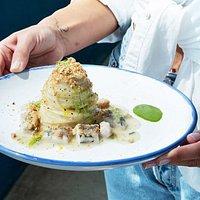 Gioia e gusto. 💙 Spaghettino, muddhica croccante, spicaluru e finocchietto... #cucinamarinara