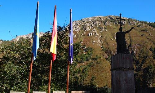Estatua del Rey Pelayo