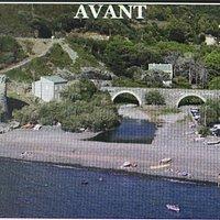 , il s'agissait d'un pont génois qui mesurait 6 métres de long et 10 mètres de large. C'était  le spécimen le plus massif et le plus long du Cap Corse. Il s'agissait d'un pont à deux arches, voûtées en berceau plein cintre, qui enjambait  la rivière. Celui-ci a été construit vers la fin du XVe Siècle. Reconstruit en 1853 suite à une forte crue