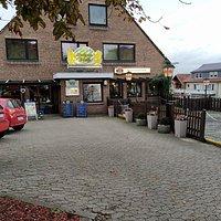 Biergarten und Parkplatz