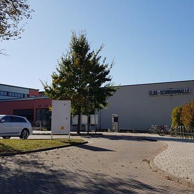 Elbe-Schwimmhalle.