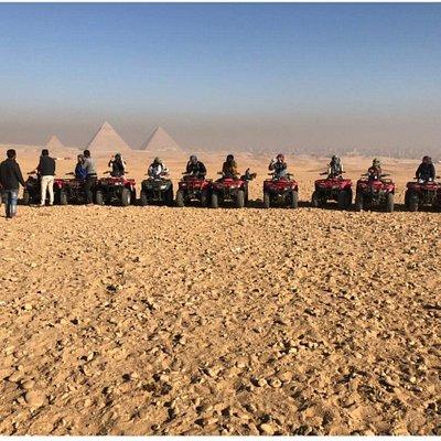 استمتع بافضل الرحلات في منطقه الاهرامات Enjoy the best trips in the pyramid area. Enjoy the best time with us.