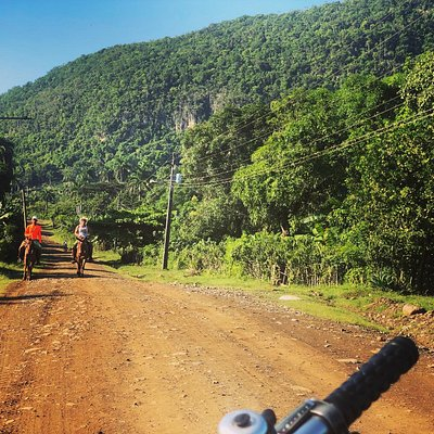 Day trip into the Sierra Maestra. Biking or driving with Cuban Revolution history events and places, nature with amazing views.