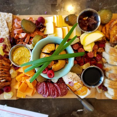 Discover how to create a great charcuterie board.