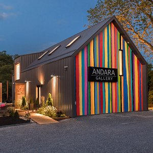 Contemporary ANDARA Gallery in the heart of Prince Edward County - showcasing contemporary art works in Photography and Encaustic Paintings. Open Year-Round. Photo: Daniel Vaughan, Vaughan Group.
