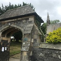 St. James, Staveley gateway