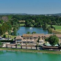 Golf, restaurant, lacs
