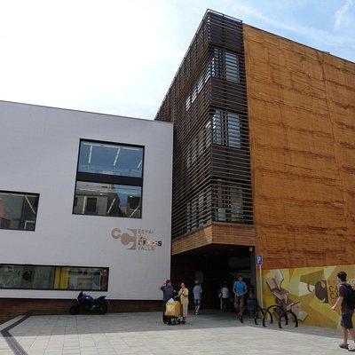 Edificio muy Moderno