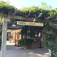 Towne Corner and Market at Wine and Roses Inn, Lodi, California