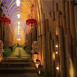 A beautiful spa entrance with bamboo details and Balinese style at Lagoon Spa Seminyak