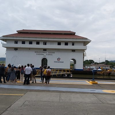 Miraflores Visitor Center / Layover Panama Canal Tour!