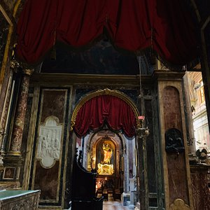 Inside St Paul's Shipwreck Church - rather regal, with old world charm