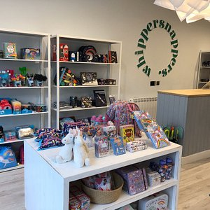 Great selection of baby and kids clothes, toys, stationery and gifts.
