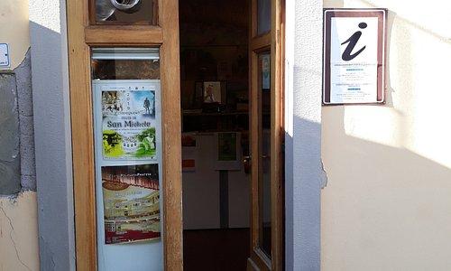 ingresso del piccolo ufficio turistico