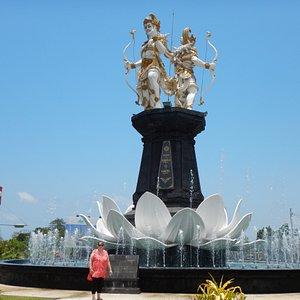 nakula-sahadewa-statue.jpg?w=300&h=300&s=1