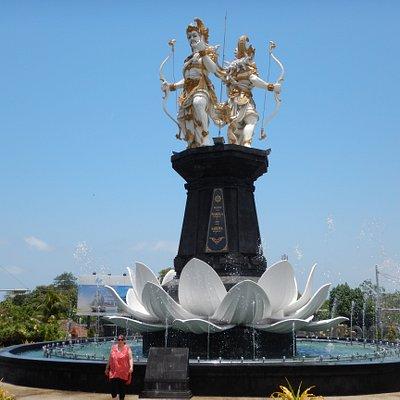 Nakula Sahadewa Statue Jimbaran