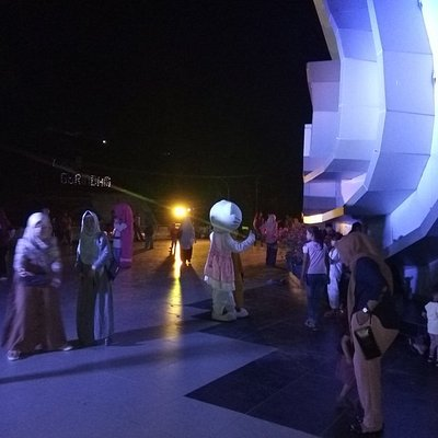 Heading Gonggong (Seashell Hall) in Tanjungpinang hosts arts and cultural events every year.
