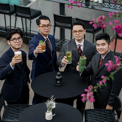 Tailor Bros team in the photoshoot for our latest lookbook with food tour theme. Hopefully, this lookbook will be a helpful recommendation for our foreign customers to discover the signatures of Hanoi's food, and also be an menswear inspiration for all of you in the coming fall-winter season. Find out more: https://tailorbros.com/en/2019-fall-winter-lookbook-from-tailor-bros-han 🤙 Minh (Mark) 096 301 34 19 Email: mark@tailorbros.com Web: tailorbros.com Add: 49 Hàng Quạt, Hoàn Kiếm, Hà Nội
