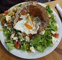 sałatka z jajem