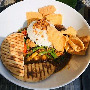 Eerste keer hier gegeten, en onze complimenten... Vooral de Indiase curry was super👌🏻👍🏻
