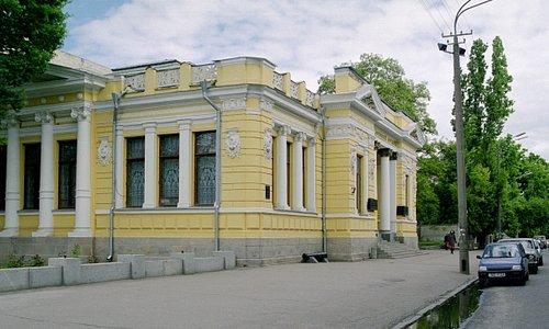 Здание исторического музея 1905 года постройки.
