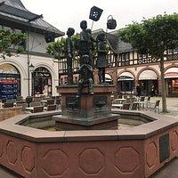 Bad Homburger Marktplatz mit Laternenbrunnen