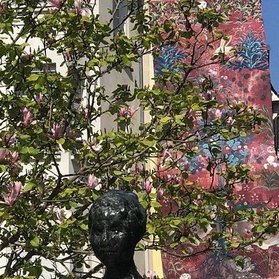 «La jeune fille en ville» Statut de Léopold KRETZ