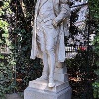 Monument to Jean De Locquenghien