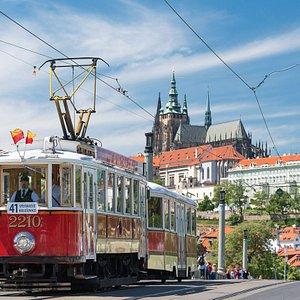 Historická linka číslo 41 na Mánesově mostě.