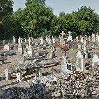 Le cimetière qui jouxte l'èglise