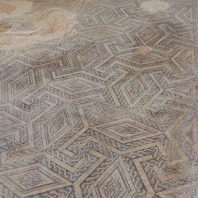 Mosaicos del pasillo principal