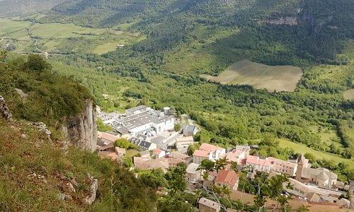 Magnifique vue sur Roquefort...Rando à la ferme équestre de Vispens.
