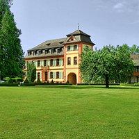 Schloss Heitersheim gilt als eines der schönsten Schlösser im Markgräflerland. Es war über Jahrhunderte nicht nur Residenz eines Reichsfürsten, sondern für den Johanniter- und Malteserorden zugleich auch Sitz des deutschen Großpriorats. © Schloss Heitersheim | Jürgen Goebel