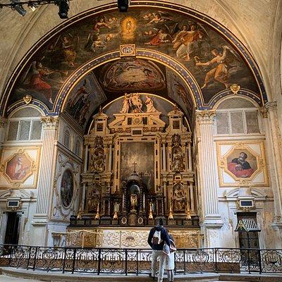 Une chapelle et une sacristie spectaculaires du 17ème à quelques centaines de mètres du quartier de la cathédrale