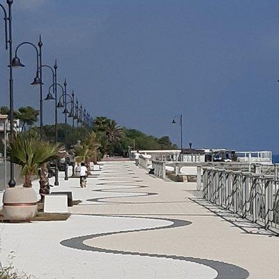 The promenade looking north