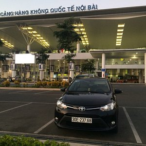 Booking car-private transfer services in Vietnam