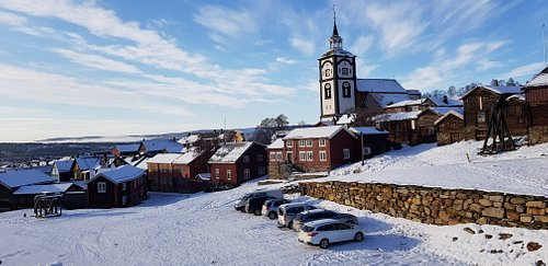 Røros kirke i vintersol!