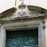 Il portale della chiesa