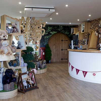 Charlie Bears - Gallery Shop