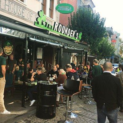 Rounders Irish Pub street view..